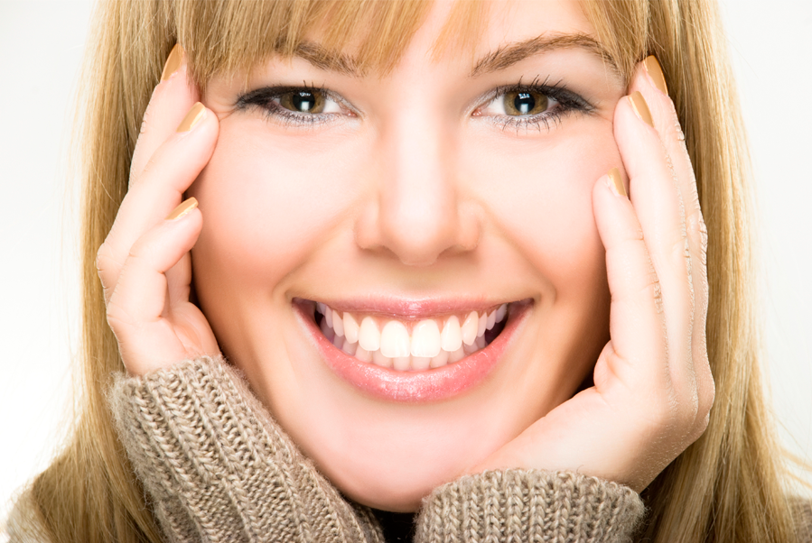 Smiling Light Up: blanqueamiento dental + biolifting